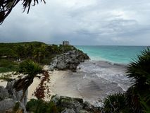 Maya pyramid temple ruins Tulum with beach and sea in Yucatan, Mexico Stock Photography