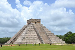 Maya Yucatan Mexiсо ChichenItza Kukulkan staden  Royalty Free Stock Photo