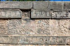 Mayan hulp op Venus Platform in het Grote Plein van Chichen Itza, Mexico Stock Fotografie