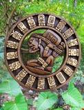 Mayan kultur för kalender som är trä på den Mexico djungeln royaltyfria foton