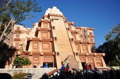 Mayan Piramide in Disney Epcot, Orlando Stock Afbeelding