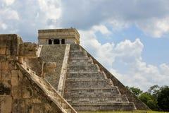 Mayan Piramide en Ruïnes in Chichen Itza Stock Afbeeldingen