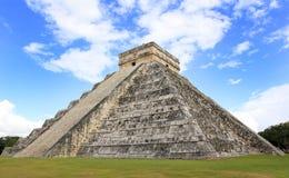 Mayan pyramid av Kukulcan i Chichen-Itza (Chichen Itza) Arkivbild