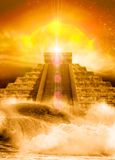 Mayan pyramid, floods and sun Stock Photography