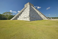 The Mayan Pyramid of Kukulkan (also known as El Castillo) and ruins at Chichen Itza, Yucatan Peninsula, Mexico Stock Image