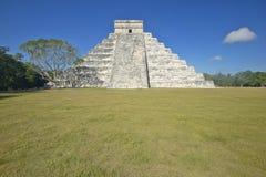 The Mayan Pyramid of Kukulkan (also known as El Castillo) and ruins at Chichen Itza, Yucatan Peninsula, Mexico Stock Images