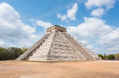 Mayan pyramid of Kukulkan in Chichen Itza, Mexico Stock Photos