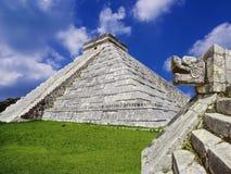Mayan pyramid, Mexico Fotografering för Bildbyråer