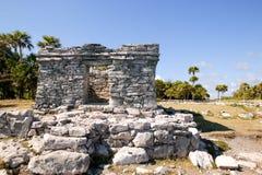 Mayan ruïnes bij de monumenten van Tulum Mexico Royalty-vrije Stock Afbeelding
