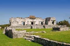Mayan ruïnes bij de monumenten van Tulum Mexico Royalty-vrije Stock Foto's