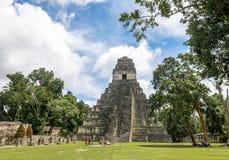 Mayan tempel I Gran Jaguar på den Tikal nationalparken - Guatemala Arkivbilder