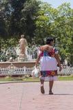 Mayan Tradities opgenomen in één enkele vrouw stock foto