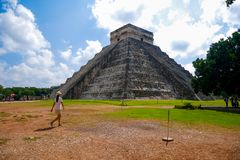 Mayapyramide von Kukulkan lizenzfreies stockfoto
