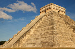 Mayapyramide von Kukulkan, Mexiko Lizenzfreies Stockbild