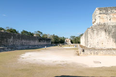 Mayastadion för bollspelet, juego de Pelota, Chichen-Itza Fotografering för Bildbyråer