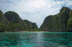 Mayastrand på Krabi Thailand Royaltyfria Bilder