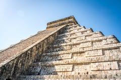 Mayatempelpyramide von Kukulkan - Chichen Itza, Yucatan, Mexiko Lizenzfreies Stockfoto