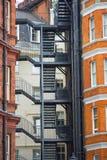 Жилая ария Mayfair со строкой периодических зданий Роскошное свойство в центре Лондона стоковая фотография rf