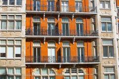 Жилая ария Mayfair со строкой периодических зданий Роскошное свойство в центре Лондона стоковое изображение rf
