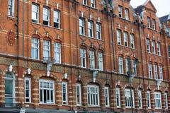 Жилая ария Mayfair со строкой периодических зданий Роскошное свойство в центре Лондона стоковое изображение