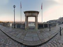 Mayflower camina arco, Plymouth, Reino Unido imagenes de archivo