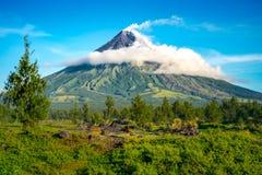 Mayon Vocalno a Legazpi, Filippine immagini stock libere da diritti