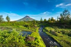 Mayon Vocalno in Legazpi, Philippinen Lizenzfreie Stockbilder