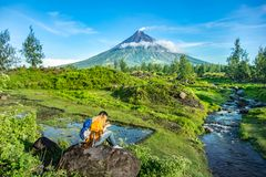 Mayon Vocalno in Legazpi, Philippinen Stockbilder