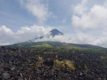 Mayon vulkan Royaltyfri Bild