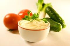 Mayonesa y verduras frescas Imagen de archivo libre de regalías