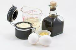 Mayonnaise avec des ingrédients Images stock