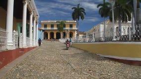 Mayor da plaza no centro de Trinidad vídeos de arquivo