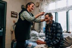 Mayor de ayuda del ayudante del cuidado de la mujer Foto de archivo libre de regalías