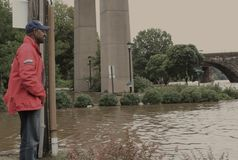 Mayor Michael Nutter surveying flooding Stock Image