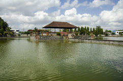 Mayura Wasserpalast, Mataram, Lombok Stockfotos