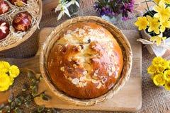 Mazanec, pastelaria checa tradicional da Páscoa, similar à cruz quente b Imagens de Stock Royalty Free