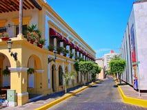 Mazatlan gator - gammal stad arkivfoton