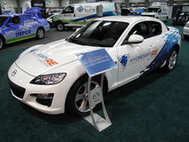 Mazda BEZÜGLICH des Wasserstoff-Sport-Autos lizenzfreie stockfotos