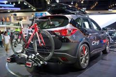Mazda CX-5 auto op vertoning bij Mazda-cabine Royalty-vrije Stock Afbeeldingen