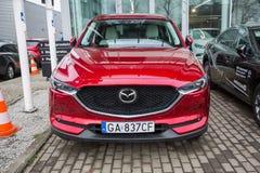 Mazda CX-5 på bilvisningslokalen Arkivfoton