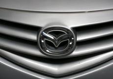 Mazda loga kruszcowy zbliżenie na Mazda ca Obraz Royalty Free
