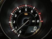 Mazda3 tachometer en digitale snelheidsmeter en iStop eigenschap Stock Fotografie