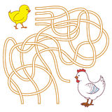 Maze game for children (chicken family) Royalty Free Stock Photos