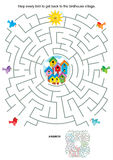 Maze game for kids - birds and birdhouses Royalty Free Stock Photos