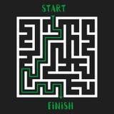 Maze Game Logo Labyrinthe avec l'entrée et la sortie Photo stock