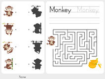 Maze game - Worksheet for education Stock Images