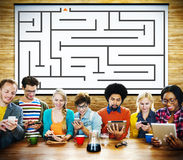 Maze Strategy Success Solution Determinations-Richtungs-Konzept lizenzfreie stockfotos