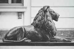 Mazedonien, Skopje, im Stadtzentrum gelegene Skulptur des Löwes Stadtzentrum, Löwe lizenzfreie stockfotografie