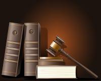 Mazo del juez y libro de la ley Foto de archivo libre de regalías