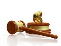 Mazo y alianzas de boda del concepto del divorcio Imágenes de archivo libres de regalías